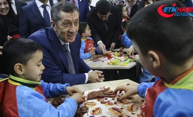 Milli Eğitim Bakanı Selçuk 1513 tasarım-beceri atölyesinin toplu açılışını yaptı