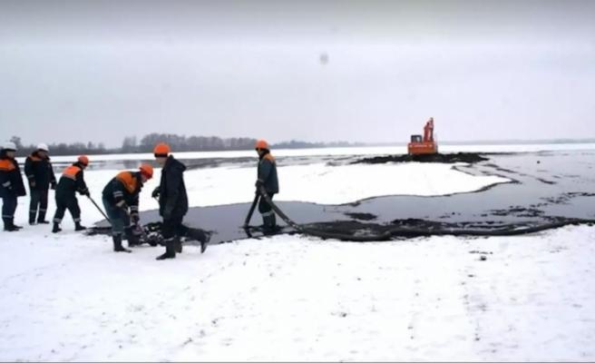 Rusya'nın Belarus'tan geçen petrol boru hattında patlama