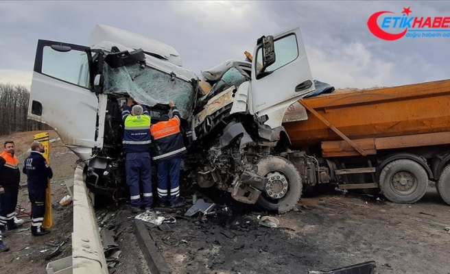 Şile'de hafriyat kamyonu ile tanker çarpıştı: 2 yaralı