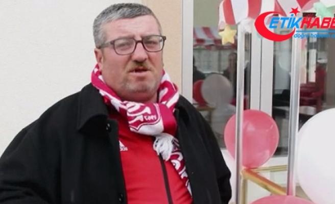 Simitçi Ahmet Yaşin, hayaline kavuştu
