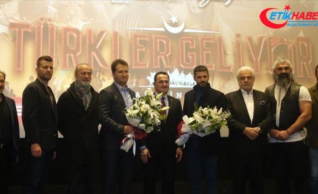'Türkler Geliyor: Adaletin Kılıcı' Beyoğlu'nda sinemaseverlerle buluştu