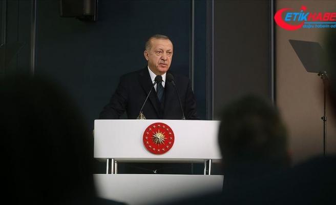 Cumhurbaşkanı Erdoğan: Koronavirüse karşı tüm kurumlarımız ve imkanlarımızla milletimizin yanındayız