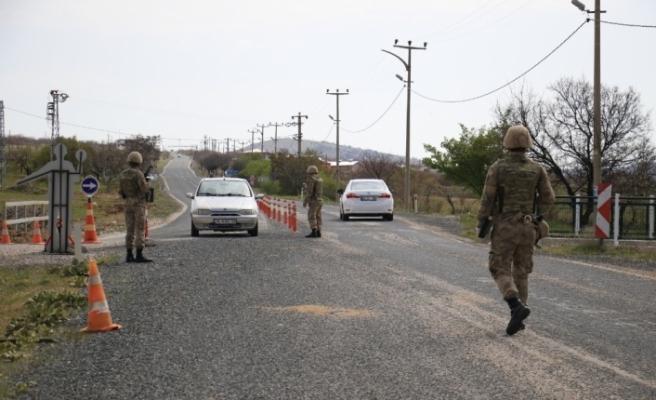 Elazığ'da bir ilçeye giriş çıkış yasaklandı