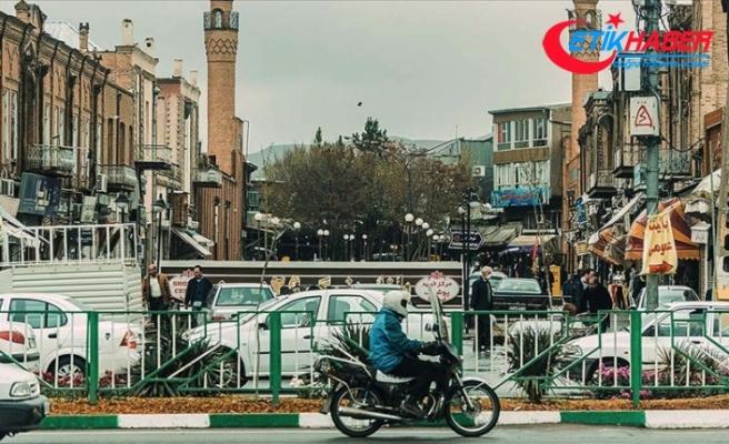İran'da Kovid-19 nedeniyle son 24 saatte 90 kişi hayatını kaybetti