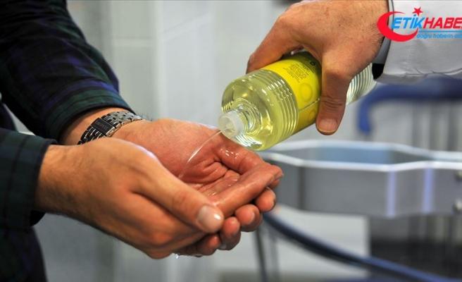 Koronavirüs mücadelesinde sık sık kullandığımız kolonya, orucu bozar mı? Diyanet'ten yanıt geldi