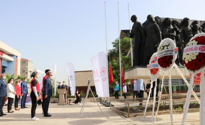 İzmir, Aydın, Manisa, Denizli ve Uşak'ta törenler düzenlendi