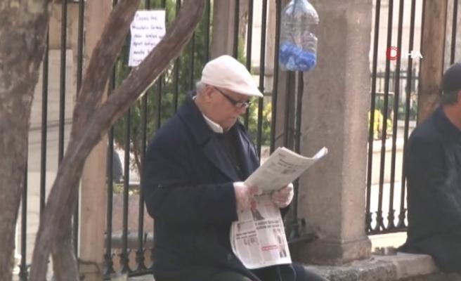 65 yaş üstü sokağa çıkıyor