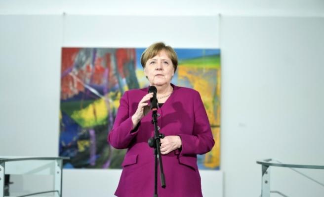 """Almanya Başbakanı Merkel'den """"Kurallara uyun"""" çağrısı"""