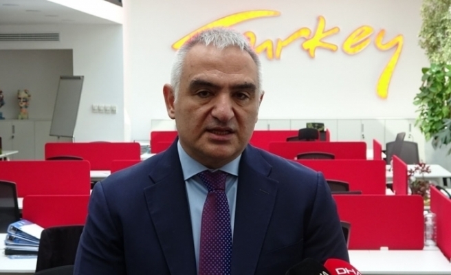 """Bakan Ersoy: """"Yarınları inşa etmek için gece-gündüz demeden çalışmaya devam edeceğiz"""""""