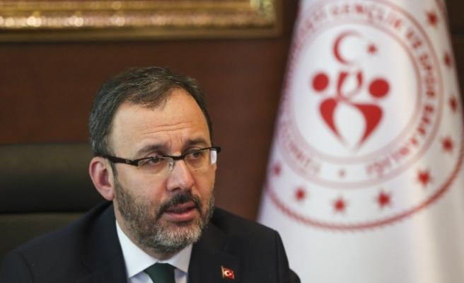 Bakan Kasapoğlu'ndan, Galatasaray Başkanı Cengiz'e geçmiş olsun telefonu