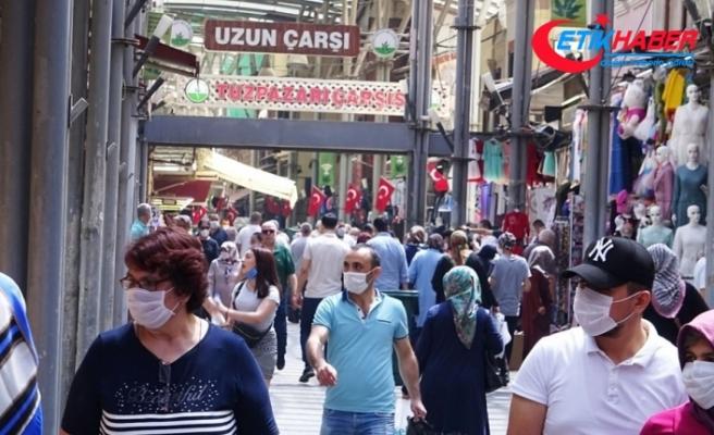 Başkentte, bayram öncesi alışveriş yoğunluğu yaşandı