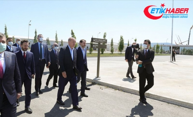 Erdoğan İstanbul'da yapımı devam eden hastaneleri inceledi