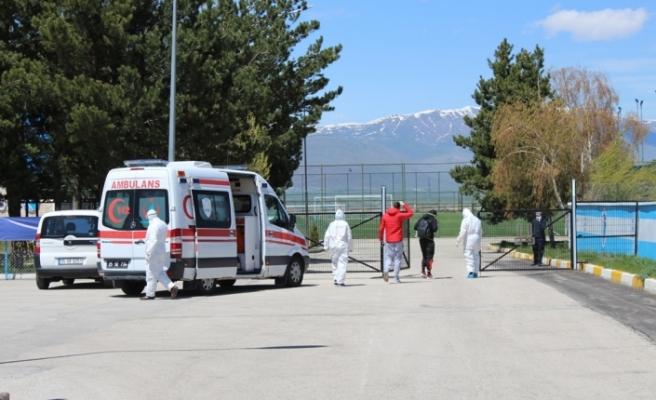Yurt dışından gelenlerin 14 günlük izolasyonları artık yurtlarda yapılmayacak