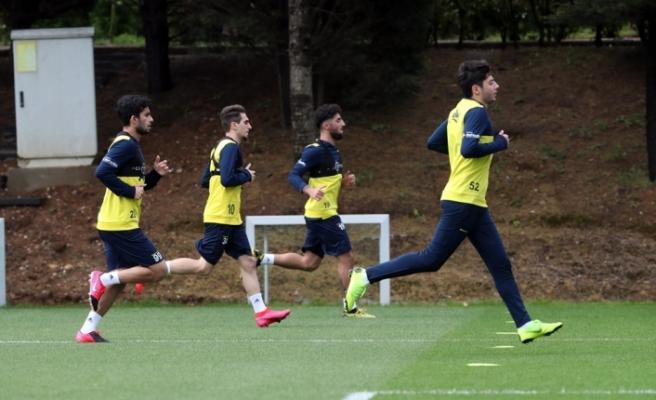 Fenerbahçe'de antrenmanlar sürüyor