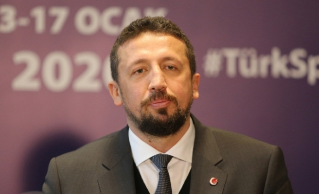 Hidayet Türkoğlu'ndan Ahmet Nur Çebi'ye geçmiş olsun mesajı