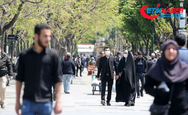 İran'da Kovid-19 nedeniyle hayatını kaybedenlerin sayısı 6 bin 418'e yükseldi