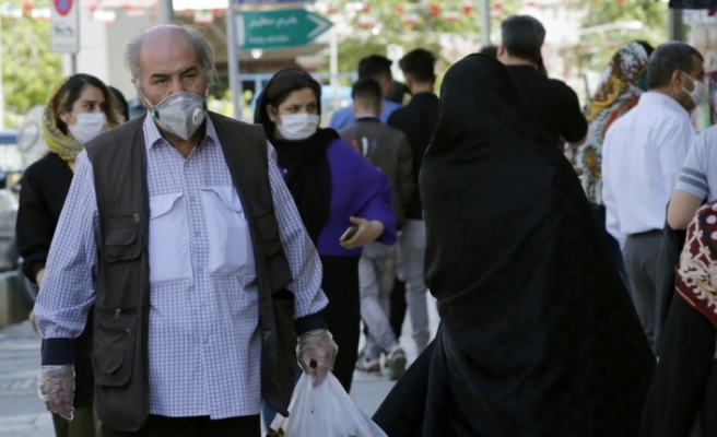 İran'da son 24 saatte korona virüsten 45 kişi öldü