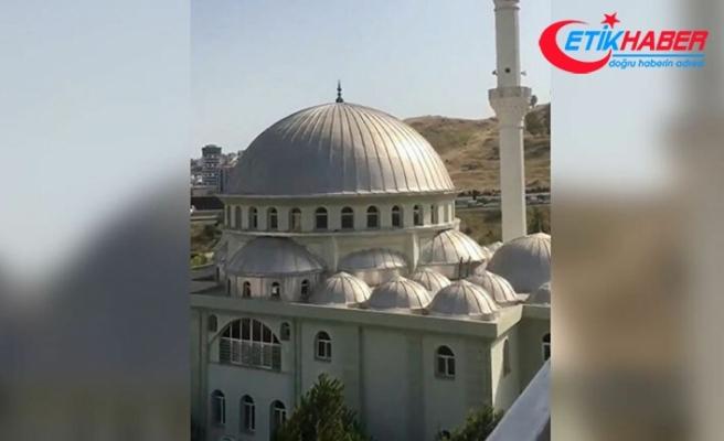 """İzmir'de camilere çirkin saldırı! Cami minarelerden """"Çav Bella"""" dinletildi!"""