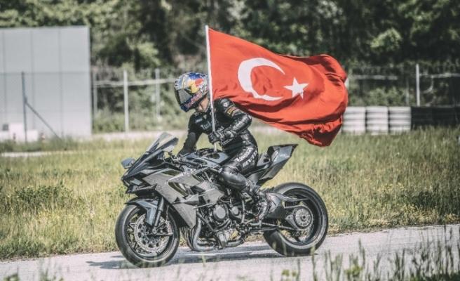 Kenan Sofuoğlu'nun hayat hikayesi film oldu