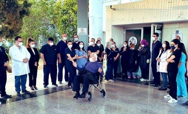 KKTC'de 83 yaşındaki son korona hastası taburcu edildi