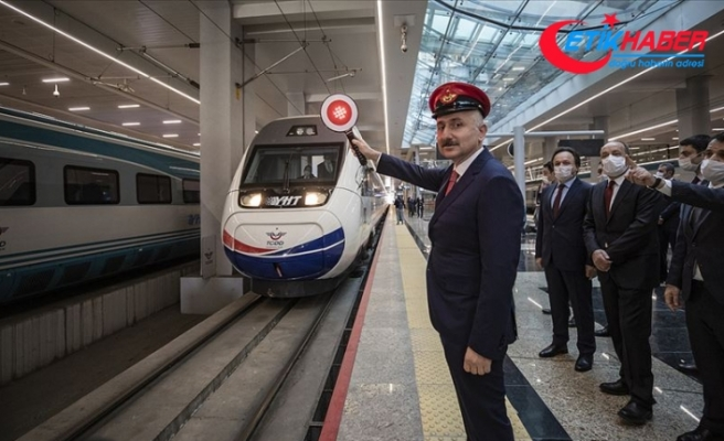 Kovid-19 nedeniyle durdurulan tren seferleri yeniden başladı