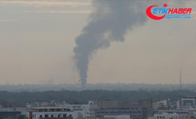 Libya ordusu hava unsurları Hafter milislerine ikmal için gönderilen yakıt tankerlerini vurdu