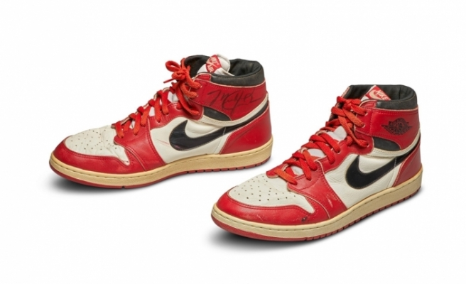 Michael Jordan'ın imzalı ayakkabısı 560 bin Dolar'a satıldı