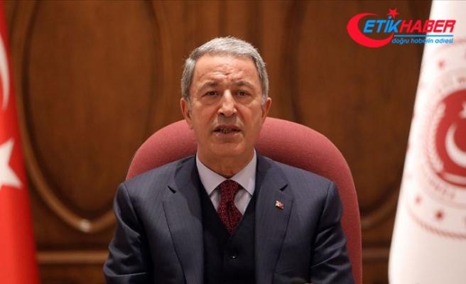 Milli Savunma Bakanı Akar: Suriye ve Irak'ın kuzeyinde terörle mücadelemiz aralıksız sürüyor