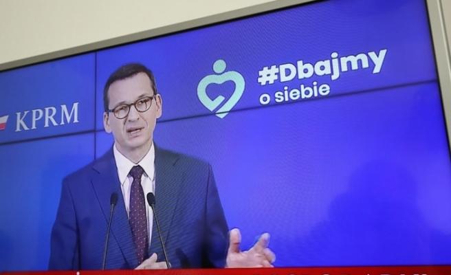 Polonya, korona virüs önlemlerinin gevşetilmesinde üçüncü aşamaya geçiyor