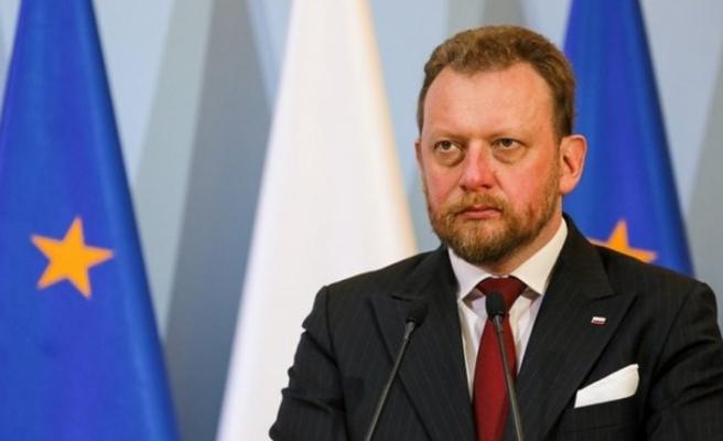 Polonya'da bakanlığın satın aldığı 1 milyon euro'luk maske standart dışı çıktı