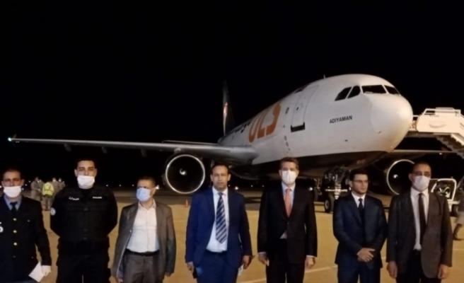 Tıbbi yardım malzemelerini taşıyan uçak Tunus'a indi