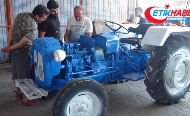 5 bin liraya aldığı traktöre 15 bin lira masraf edip çalışır hale getirdi
