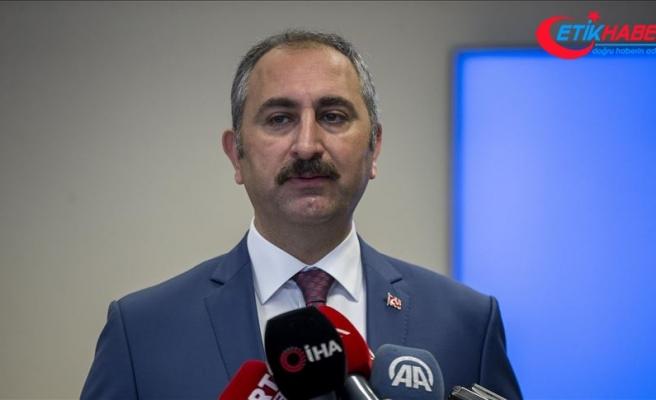 Adalet Bakanı Gül: Avukatları koruyan mesleki örgütlenmeyi güçlendiren bir yapı üzerinde çalışılıyor