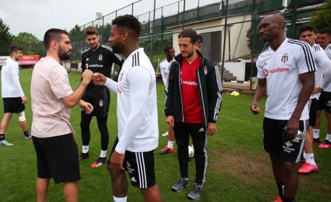 Beşiktaş, Rebocho ile vedalaştı