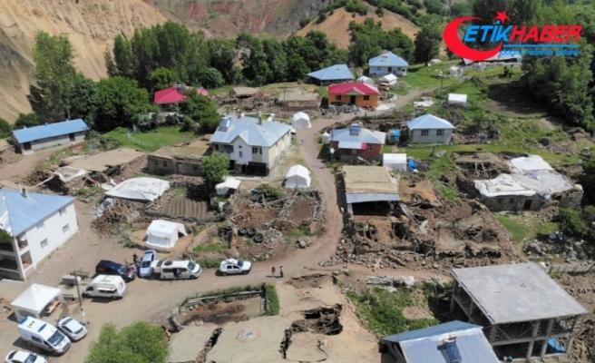"""""""Bingöl depreminde 22 yapı yıkıldı, 214 yapı ağır hasar gördü"""""""