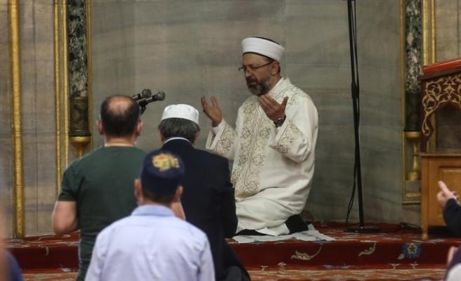 Diyanet İşleri BaşkanıAliErbaş,Sultanahmet Camisi'ndehutbeirat etti: