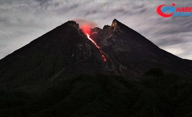 Endonezya'da Ili Lewotolok Yanardağı'nda yeni patlama oldu