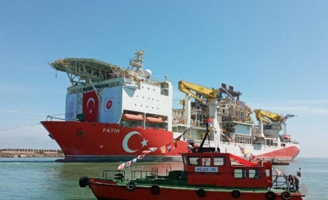 Fatih Sondaj Gemisi Trabzon Limanı'na giriş yaptı