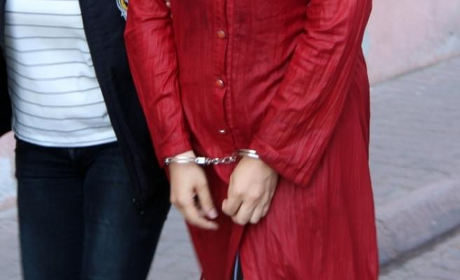 Interpol tarafından aranan DEAŞ üyesi 2 kadın yakalandı