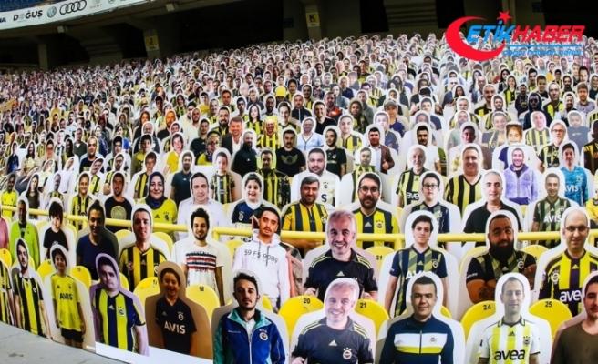 Kadıköy'de 10 bin karton taraftar hazır