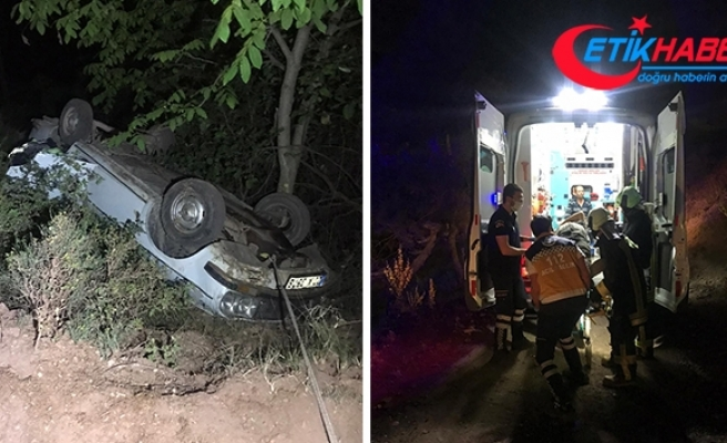 Kontrolden çıkan otomobil şarampole yuvarlandı: 2 yaralı