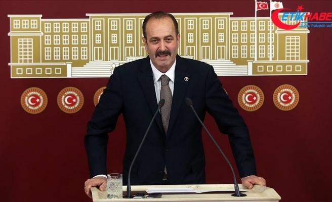 "MHP'li Osmanağaoğlu: ''Türk'ün bayrağı Ay Yıldızlı Albayraktır. Başka bayrağa selam çakanlara duyurulur!"""
