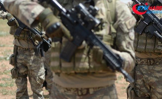 MSB: Komandolar Pençe-Kaplan Operasyonu'na katılmak üzere sınır ötesine geçti