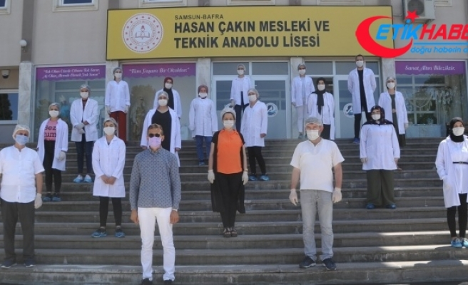 Okul fabrika gibi çalıştı, 3 ayda 750 bin maske üretti