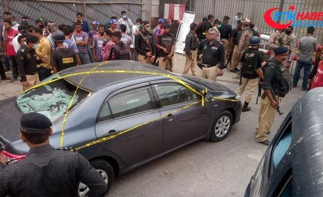 Pakistan'da silahlı saldırı: 4 saldırgan etkisiz hale getirildi, 5 kişi yaşamını yitirdi