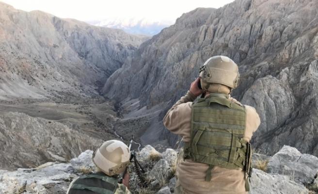 5 terörist güvenlik güçlerine teslim oldu