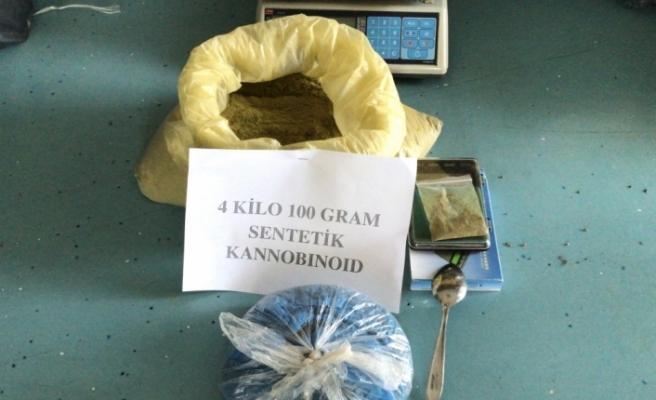 Adana'da uyuşturucu operasyonlarında yakalanan 4 zanlı tutuklandı