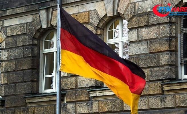 Alman ekonomisi ikinci çeyrekte yüzde 9,7 küçüldü