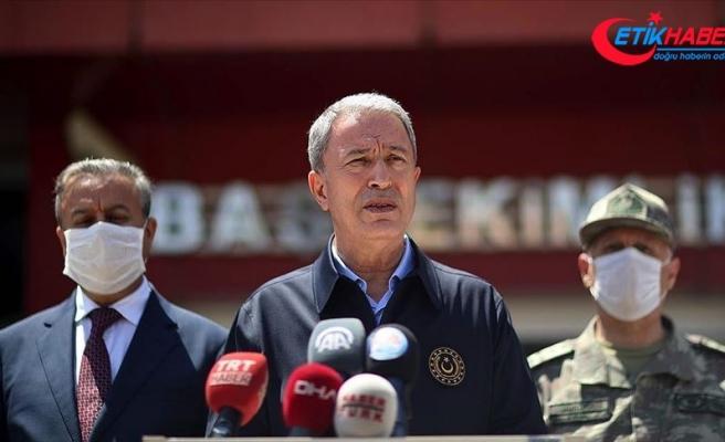 Bakan Akar devrilen askeri araçta teknik arıza tespit edildiğini açıkladı