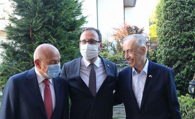 Bakan Kasapoğlu'ndan Mustafa Cengiz'e geçmiş olsun ziyareti